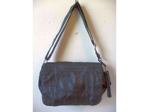 Pocketbook / Purse #09 Shoulder Bag With Front Flap Black
