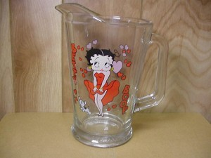 Betty Boop 60 Oz Heavy Duty Glass Pitcher Retire Item